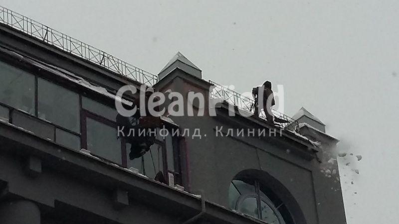 Инструкция при очистке снега с крыш